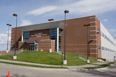 Michigan Private Colleges and Universities: Kettering University - C.S. Mott Science and Engineering Building