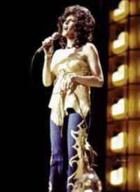 Donna Fargo (born Yvonne Vaughan